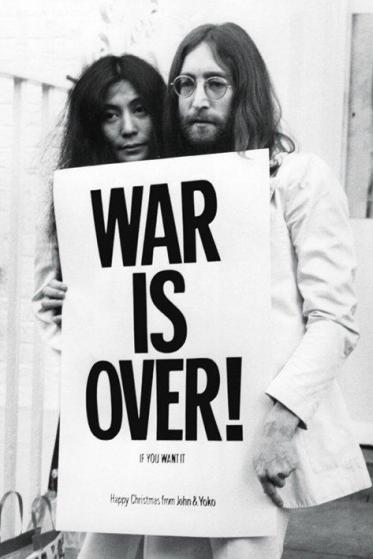 pp32563-john-lennon-war-poster